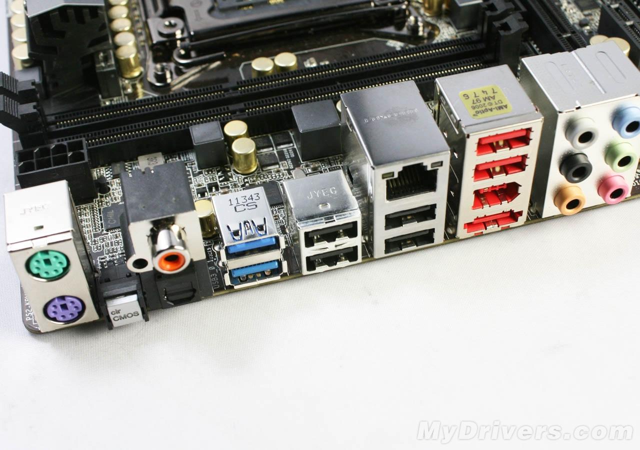 extreme 4主板提供了ps/2键鼠接口,cmos快速清除按钮,同轴/spdif光纤